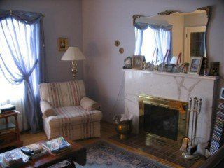 Photo 2: 8349 Oak St in Vancouver: Marpole Home for sale ()  : MLS®# V562641