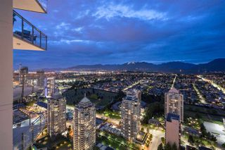 "Photo 9: 4302 2008 ROSSER Avenue in Burnaby: Brentwood Park Condo for sale in ""STRATUS (SOLO DISTRICT)"" (Burnaby North)  : MLS®# R2379987"