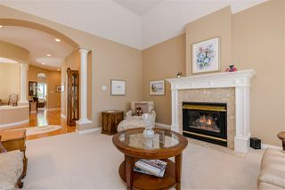 """Photo 2: 15 1881 144 Street in Surrey: Sunnyside Park Surrey Townhouse for sale in """"BRAMBLEY HEDGE"""" (South Surrey White Rock)  : MLS®# R2384004"""