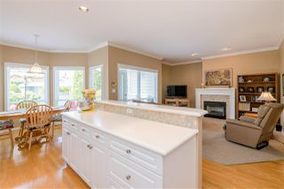 """Photo 6: 15 1881 144 Street in Surrey: Sunnyside Park Surrey Townhouse for sale in """"BRAMBLEY HEDGE"""" (South Surrey White Rock)  : MLS®# R2384004"""