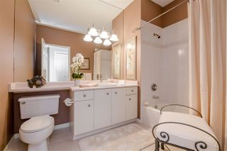 """Photo 15: 15 1881 144 Street in Surrey: Sunnyside Park Surrey Townhouse for sale in """"BRAMBLEY HEDGE"""" (South Surrey White Rock)  : MLS®# R2384004"""