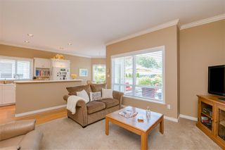 """Photo 10: 15 1881 144 Street in Surrey: Sunnyside Park Surrey Townhouse for sale in """"BRAMBLEY HEDGE"""" (South Surrey White Rock)  : MLS®# R2384004"""