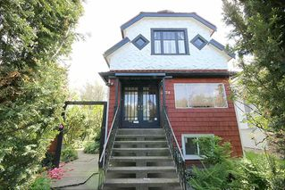 Photo 1: 2754 DUNDAS Street in Vancouver: Hastings Sunrise House for sale (Vancouver East)  : MLS®# R2413633