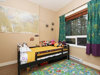 Photo 13: 202 201 Nursery Hill Drive in VICTORIA: VR Six Mile Condo Apartment for sale (View Royal)  : MLS®# 420938