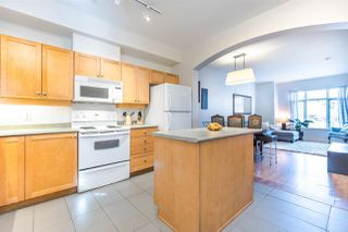 """Photo 4: 222 600 PARK Crescent in New Westminster: GlenBrooke North Townhouse for sale in """"Roycroft"""" : MLS®# R2439408"""