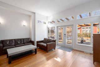 """Photo 8: 2241 E 4TH Avenue in Vancouver: Grandview Woodland House for sale in """"COMMERCIAL DRIVE"""" (Vancouver East)  : MLS®# R2447300"""