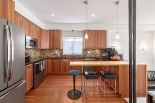 """Photo 5: 2241 E 4TH Avenue in Vancouver: Grandview Woodland House for sale in """"COMMERCIAL DRIVE"""" (Vancouver East)  : MLS®# R2447300"""