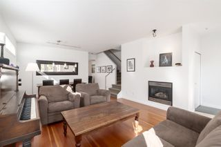 """Photo 3: 2241 E 4TH Avenue in Vancouver: Grandview Woodland House for sale in """"COMMERCIAL DRIVE"""" (Vancouver East)  : MLS®# R2447300"""