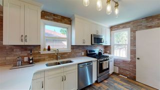 Photo 4: 8130 77 Avenue NW in Edmonton: Zone 17 House for sale : MLS®# E4203003