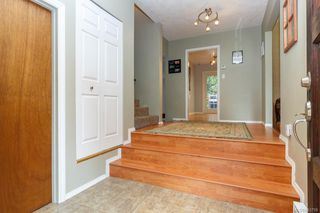 Photo 3: 108 Werra Rd in View Royal: VR View Royal Single Family Detached for sale : MLS®# 843759
