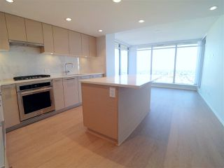 """Photo 2: 2106 6700 DUNBLANE Avenue in Burnaby: Metrotown Condo for sale in """"VITTORIO"""" (Burnaby South)  : MLS®# R2498116"""