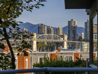 "Main Photo: 206 1530 MARINER Walk in Vancouver: False Creek Condo for sale in ""Mariner Point"" (Vancouver West)  : MLS®# R2512890"