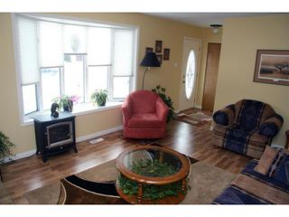 Photo 3: 417 Wales Avenue in WINNIPEG: St Vital Residential for sale (South East Winnipeg)  : MLS®# 1104052