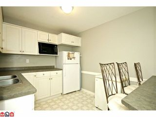 "Photo 9: # 48 20222 96TH AV in LANGLEY: Walnut Grove Townhouse for sale in ""WINDSOR GARDENS"" (Langley)  : MLS®# F1225707"