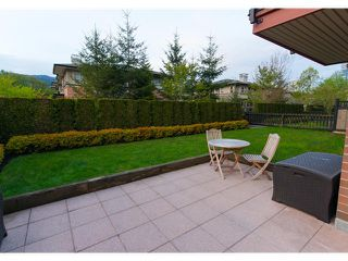 Photo 3: 111 200 KLAHANIE Drive in Port Moody: Port Moody Centre Condo for sale : MLS®# V1003995