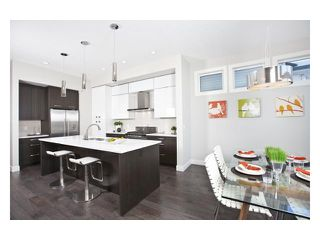 Photo 4: 2240 33 Street SW in CALGARY: Killarney_Glengarry Residential Attached for sale (Calgary)  : MLS®# C3591709