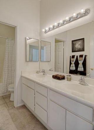Photo 20: SAN MARCOS House for sale : 4 bedrooms : 738 W Bel Esprit Circle