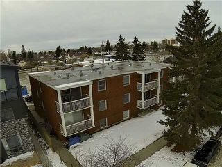 Photo 10: 717 17 Avenue NW in CALGARY: Mount Pleasant Multi-Family (Commercial) for sale (Calgary)  : MLS®# C1025103