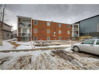 Photo 9: 717 17 Avenue NW in CALGARY: Mount Pleasant Multi-Family (Commercial) for sale (Calgary)  : MLS®# C1025103