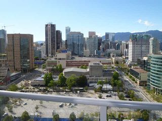 "Photo 1: 2908 131 REGIMENT Square in Vancouver: Downtown VW Condo for sale in ""SPECTRUM 3"" (Vancouver West)  : MLS®# V1117349"
