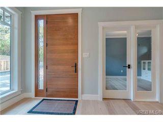 Photo 2: 1217 Hewlett Place in VICTORIA: OB South Oak Bay Single Family Detached for sale (Oak Bay)  : MLS®# 350579