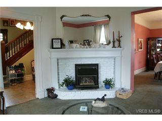 Photo 4: 812 Wollaston Street in VICTORIA: Es Old Esquimalt Single Family Detached for sale (Esquimalt)  : MLS®# 351350