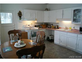 Photo 9: 812 Wollaston Street in VICTORIA: Es Old Esquimalt Single Family Detached for sale (Esquimalt)  : MLS®# 351350