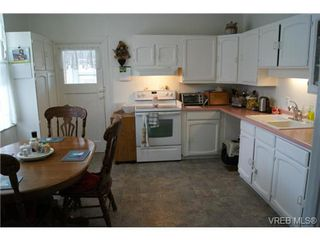 Photo 10: 812 Wollaston Street in VICTORIA: Es Old Esquimalt Single Family Detached for sale (Esquimalt)  : MLS®# 351350