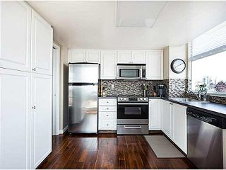 "Photo 5: 1402 567 LONSDALE Avenue in North Vancouver: Lower Lonsdale Condo for sale in ""THE CAMELLIA"" : MLS®# V1126178"