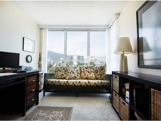"Photo 12: 1402 567 LONSDALE Avenue in North Vancouver: Lower Lonsdale Condo for sale in ""THE CAMELLIA"" : MLS®# V1126178"