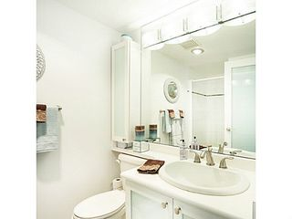 "Photo 13: 1402 567 LONSDALE Avenue in North Vancouver: Lower Lonsdale Condo for sale in ""THE CAMELLIA"" : MLS®# V1126178"