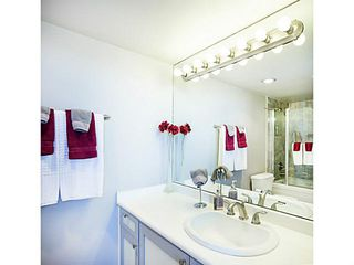 "Photo 11: 1402 567 LONSDALE Avenue in North Vancouver: Lower Lonsdale Condo for sale in ""THE CAMELLIA"" : MLS®# V1126178"
