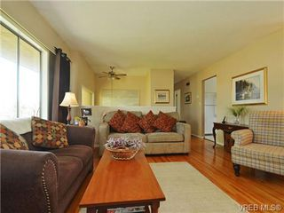 Photo 5: 10294 Sparling Pl in SIDNEY: Si Sidney North-East House for sale (Sidney)  : MLS®# 727684