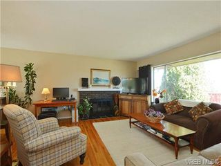 Photo 3: 10294 Sparling Pl in SIDNEY: Si Sidney North-East House for sale (Sidney)  : MLS®# 727684