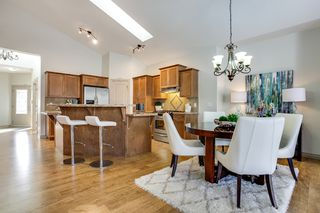 Photo 11: 215 Tuscany Glen Park NW in Calgary: Bungalow for sale : MLS®# C3614233