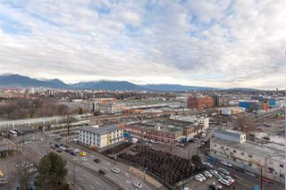 """Photo 6: 1815 1618 QUEBEC Street in Vancouver: Mount Pleasant VE Condo for sale in """"Central"""" (Vancouver East)  : MLS®# R2140904"""