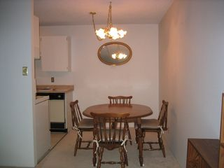 Photo 2: 408 2012 Fullerton Ave in North Vancouver: Home for sale : MLS®# V6383082