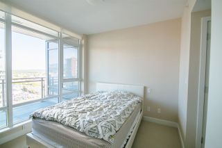 """Photo 5: 1606 2008 ROSSER Avenue in Burnaby: Brentwood Park Condo for sale in """"SOLO DISTRICT - STRATUS"""" (Burnaby North)  : MLS®# R2169333"""