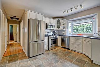 Photo 5: 3428 62 Avenue SW in Calgary: Lakeview House for sale : MLS®# C4128829