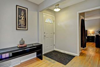 Photo 2: 3428 62 Avenue SW in Calgary: Lakeview House for sale : MLS®# C4128829