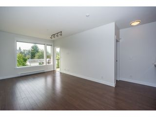 Photo 10: 314 33539 HOLLAND Avenue in Abbotsford: Central Abbotsford Condo for sale : MLS®# R2193523
