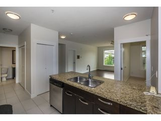Photo 7: 314 33539 HOLLAND Avenue in Abbotsford: Central Abbotsford Condo for sale : MLS®# R2193523