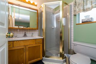 Photo 15: 931 COTTONWOOD Avenue in Coquitlam: Coquitlam West House for sale : MLS®# R2199150