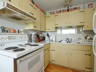 Photo 10: A & B 3302 Haida Dr in VICTORIA: Co Triangle Triplex for sale (Colwood)  : MLS®# 771482