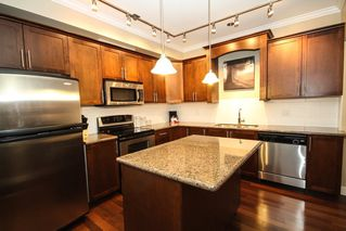 Photo 2: 306 2627 SHAUGHNESSY Street in Port Coquitlam: Central Pt Coquitlam Condo for sale : MLS®# R2239880