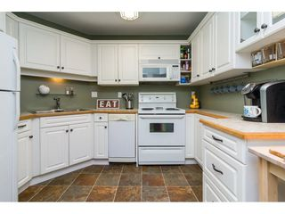 Photo 9: 308 20200 54A AVENUE in Langley: Langley City Condo for sale : MLS®# R2221595