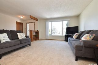 Photo 2: 90 Kowalchuk Crescent in Regina: Uplands Residential for sale : MLS®# SK723648