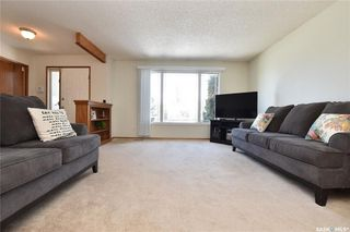 Photo 3: 90 Kowalchuk Crescent in Regina: Uplands Residential for sale : MLS®# SK723648