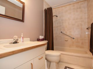 Photo 9: 75 120 Finholm St in The Meadows: Townhouse for sale : MLS®# 354293
