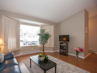 Photo 3: 75 120 Finholm St in The Meadows: Townhouse for sale : MLS®# 354293